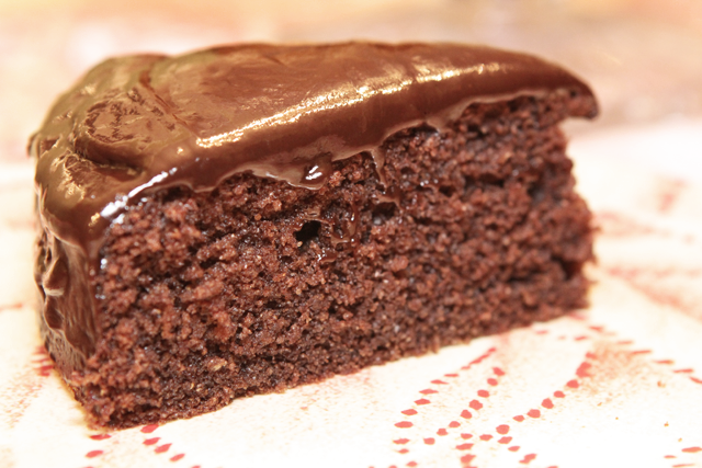Chocolate-Cake-slice640
